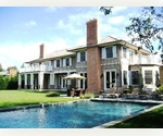 AMAGANSETT LANES 5 BEDROOM TRADITIONAL